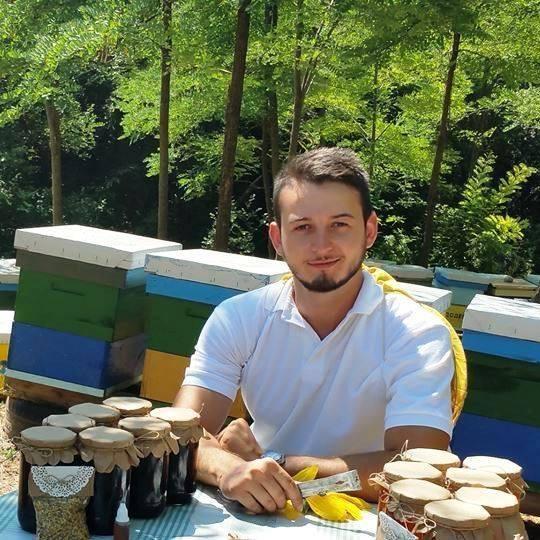 """Пример за успешен пчеларски бизнис – Пчеларник """"Додевски"""" (ВИДЕО)"""